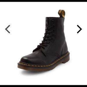 Black leather Dr.Martens